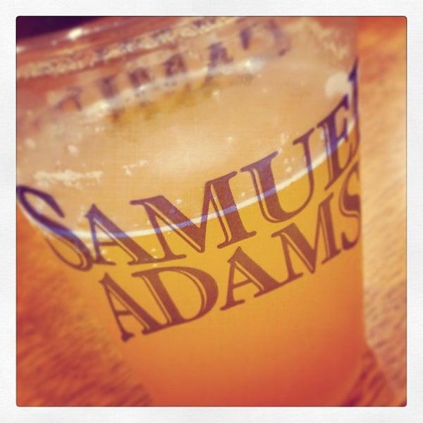 Photo prise au Samuel Adams Brewery par Thom D. le8/22/2013