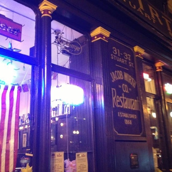 Foto tirada no(a) Jacob Wirth Restaurant por Huck's B. em 7/27/2013