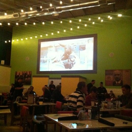 Снимок сделан в El Real Tex-Mex Cafe пользователем Lynn T. 11/25/2012