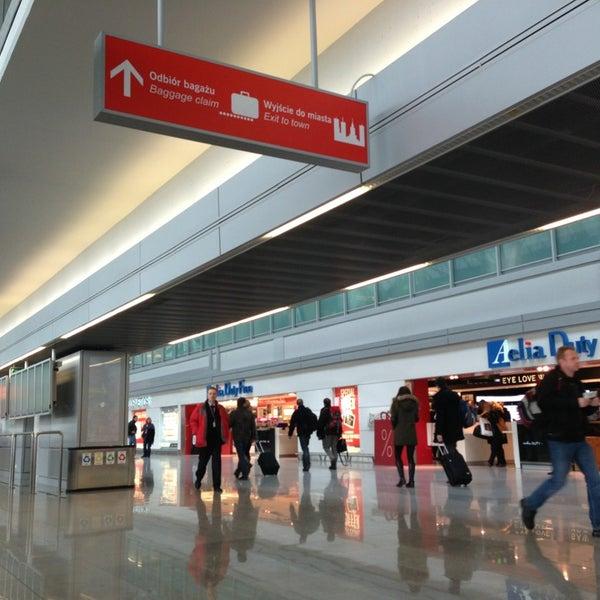 2/18/2013에 Joice Z.님이 바르샤바 쇼팽 공항 (WAW)에서 찍은 사진