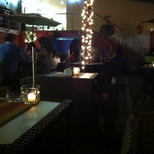 Das Foto wurde bei Kofetárica Café von Denisse A. am 9/27/2012 aufgenommen