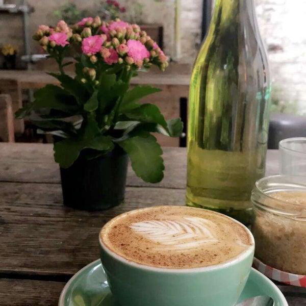 Foto diambil di Brickwood Coffee & Bread oleh Bnt Battuta . pada 4/28/2018