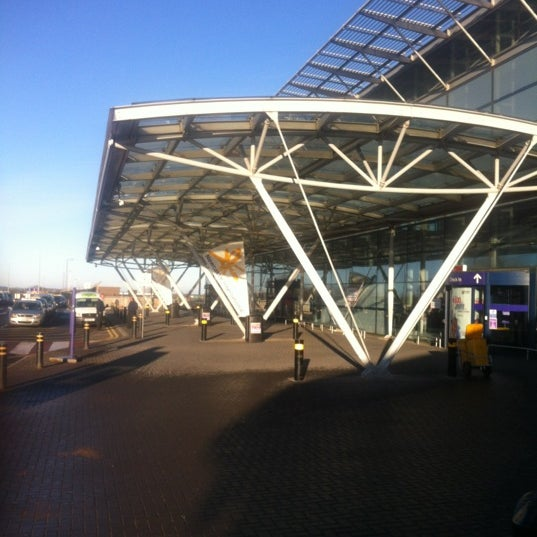 12/2/2012にphilip s.がNewcastle International Airportで撮った写真
