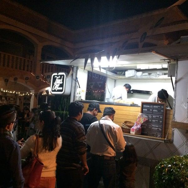Das Foto wurde bei Truck Chef Urban Food von JeanPhilippe G. am 2/8/2015 aufgenommen