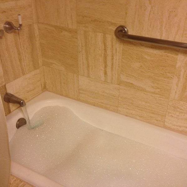 Foto diambil di Belmond Hotel Monasterio oleh Jessica L. pada 9/20/2012