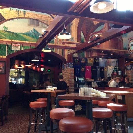Снимок сделан в Deschutes Brewery Bend Public House пользователем DeWayne F. 10/7/2012