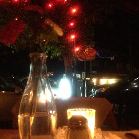 Foto tirada no(a) Café La Gloria por Reí v. em 10/6/2012