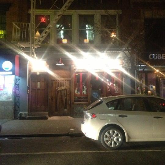 Снимок сделан в Barramundi Bar пользователем Will I. 12/15/2012