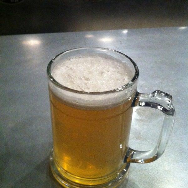 Foto diambil di Good People Brewing Company oleh Christy T. pada 1/27/2013