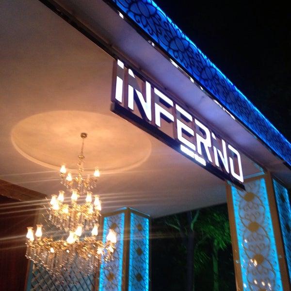 รูปภาพถ่ายที่ Club Inferno โดย Gökhan M. เมื่อ 7/6/2013