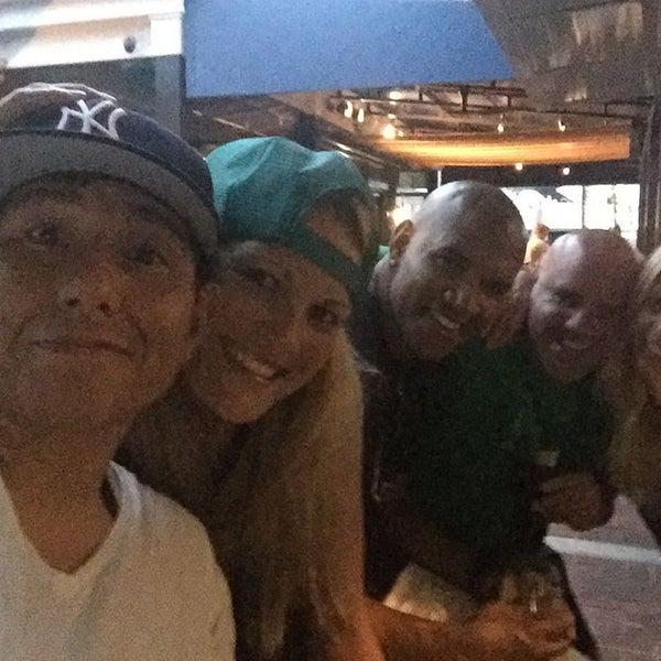 Photo prise au Bimini Boatyard Bar & Grill par Roberta Q. le1/10/2016