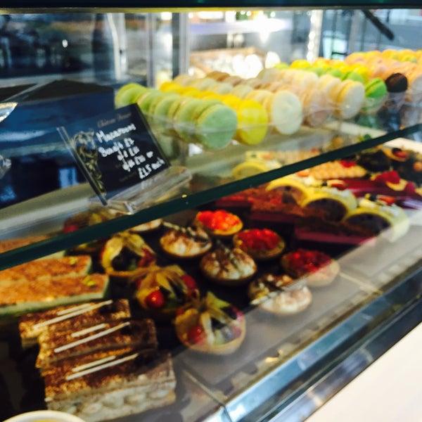 Foto tirada no(a) Chateau Dessert por Nujane N. em 7/24/2015