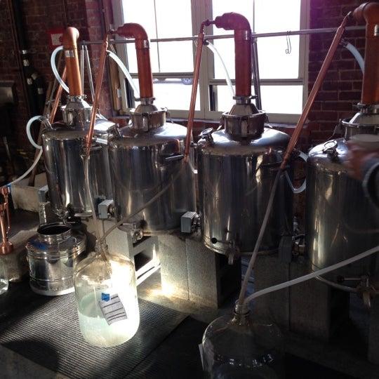 Foto diambil di Kings County Distillery oleh David T. pada 11/24/2012