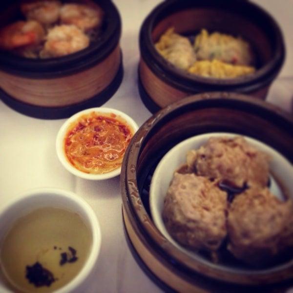 12/12/2013에 MinJi J.님이 Oriental Garden 福臨門海鮮酒家에서 찍은 사진