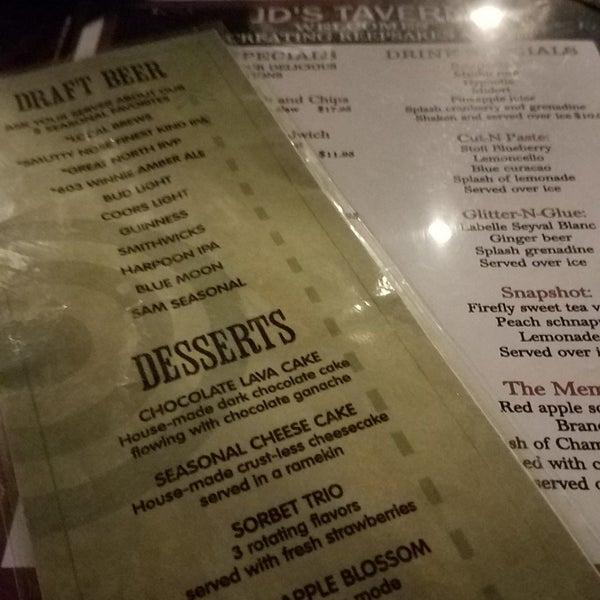 Foto tirada no(a) JD's Tavern por trish h. em 4/27/2018