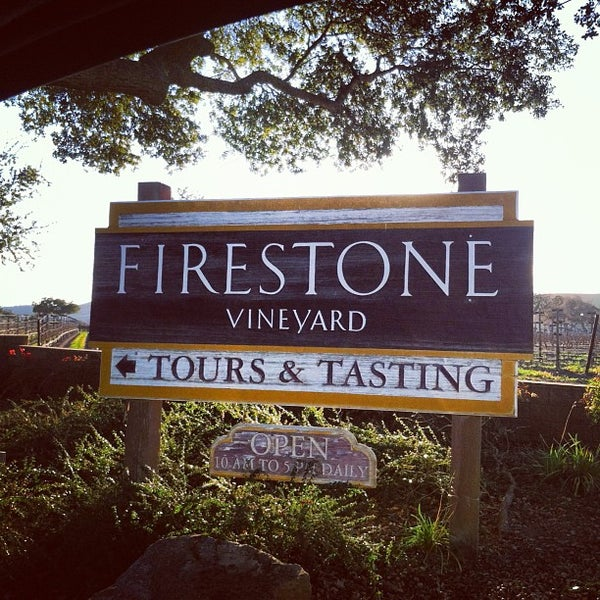 Foto scattata a Firestone Vineyard & Winery da Gwen🌜 H. il 1/19/2013