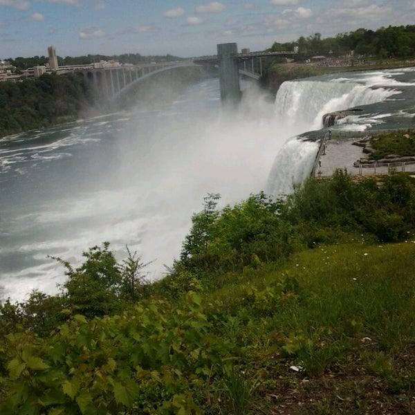 6/14/2014 tarihinde Cheryl B.ziyaretçi tarafından Niagara Falls USA Official Visitor Center'de çekilen fotoğraf