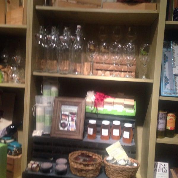 1/3/2016 tarihinde Motti.  (Mordechai) L.ziyaretçi tarafından Los Olivos Wine Merchant Cafe'de çekilen fotoğraf