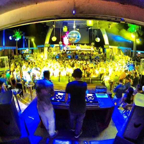 รูปภาพถ่ายที่ Club Inferno โดย Gokhan E. เมื่อ 6/27/2013