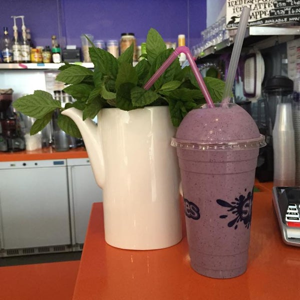 Nice little spot, with affordable prices too. The protein shakes I had were very good, cocktails also look delicious!!! Will visit again.