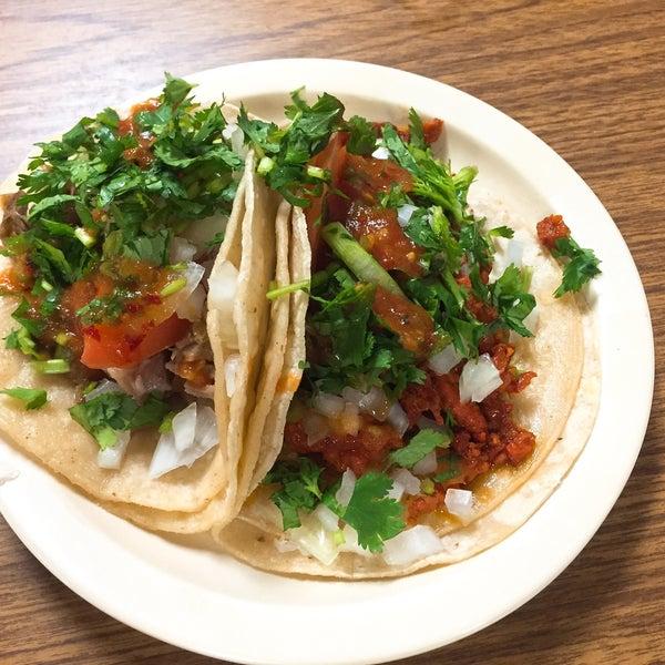 Снимок сделан в La Mexicana Bakery пользователем The Y. 9/1/2016
