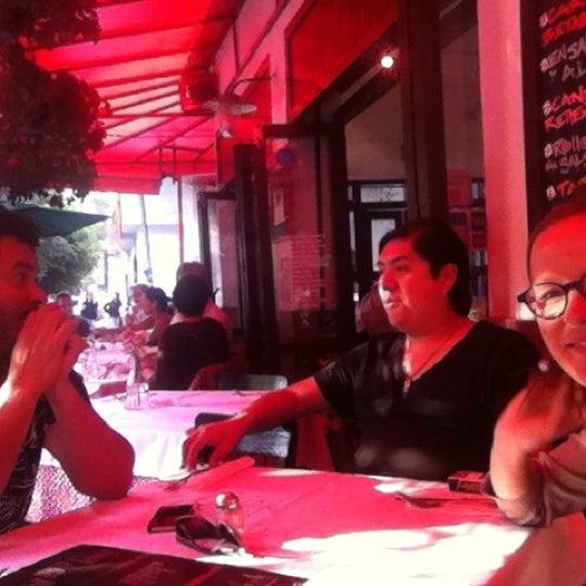 Foto tirada no(a) Café La Gloria por Edson O. em 12/17/2012