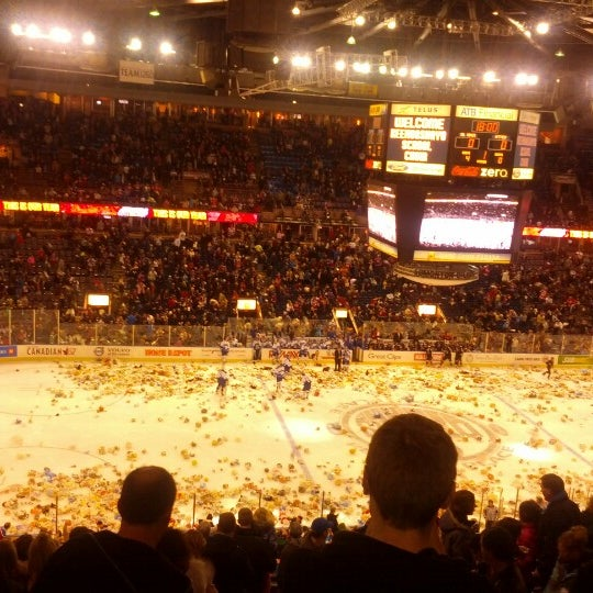 12/8/2012 tarihinde Terrance M.ziyaretçi tarafından Northlands Coliseum'de çekilen fotoğraf