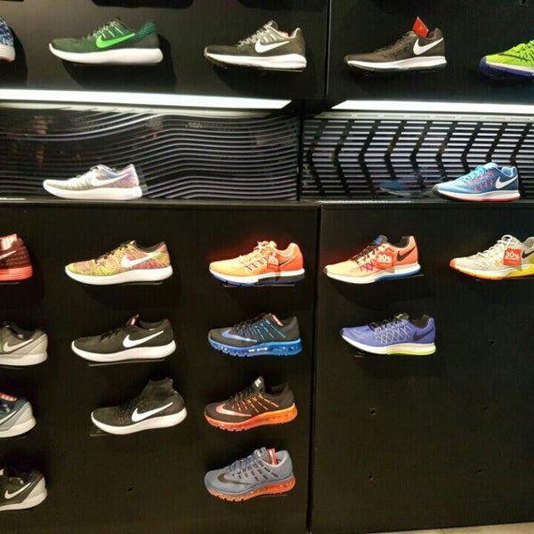 Nike - 2 tips f67d8bf218144