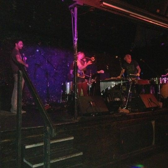 Foto tirada no(a) The Green Room por Elle em 11/30/2012