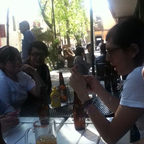 รูปภาพถ่ายที่ Jerónimas โดย Mariana M. เมื่อ 2/18/2013
