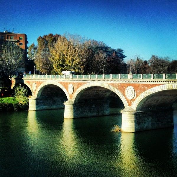 รูปภาพถ่ายที่ Catullo - Ristorante Pizzeria โดย Mehmet K. เมื่อ 12/1/2013