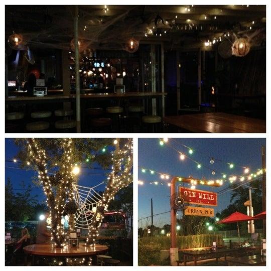 Photo prise au The Gin Mill par Elizabeth D. le10/18/2012