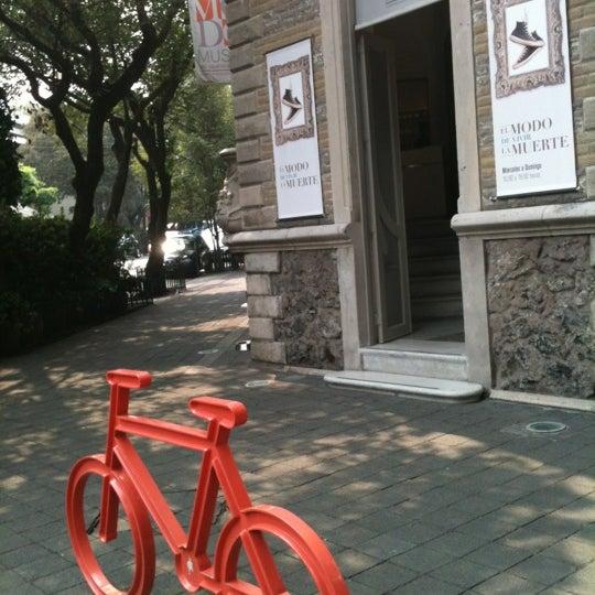 Das Foto wurde bei MODO Museo del Objeto del Objeto von Pamela R. am 9/29/2012 aufgenommen