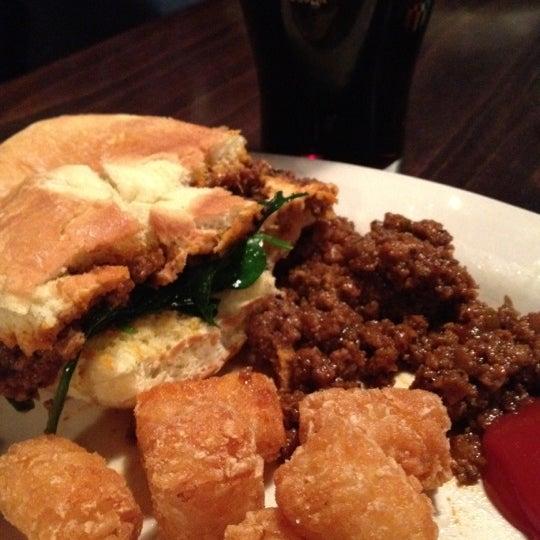 Photo prise au The Pour House par Eat Drink & Be Philly o. le1/25/2013
