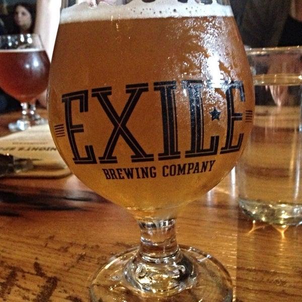 Das Foto wurde bei Exile Brewing Co. von Beth W. am 5/24/2015 aufgenommen