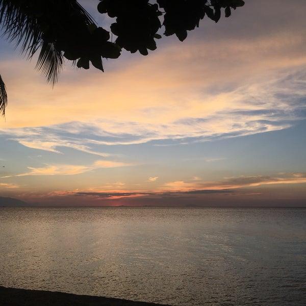 Photos At Sunset At Aninuan Beach Resort Puerto Galera