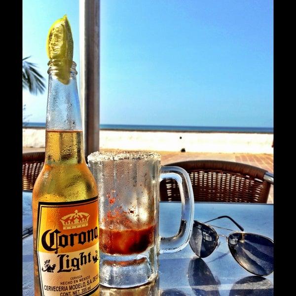 Foto diambil di Day Off Beach Bar oleh Yared E. pada 12/19/2012