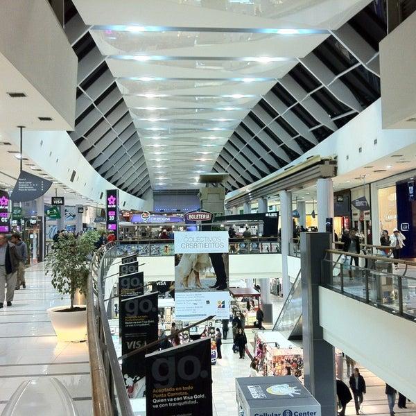 Foto tirada no(a) Punta Carretas Shopping por Leandro C. em 9/13/2013