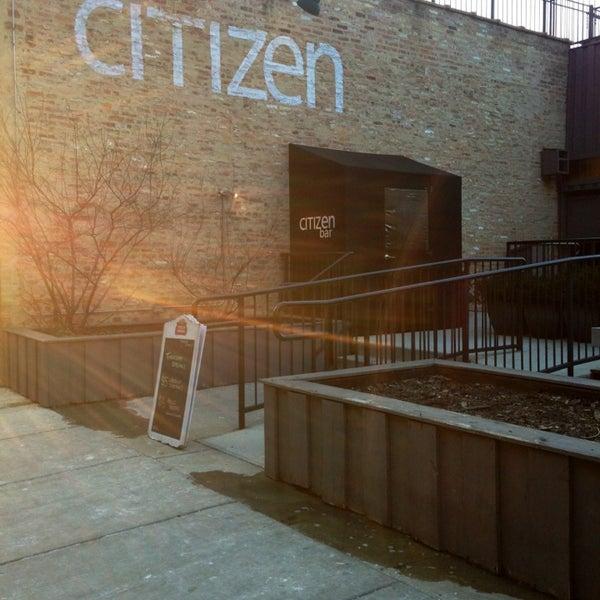 Photo prise au Citizen Bar Chicago par KT C. le3/28/2013