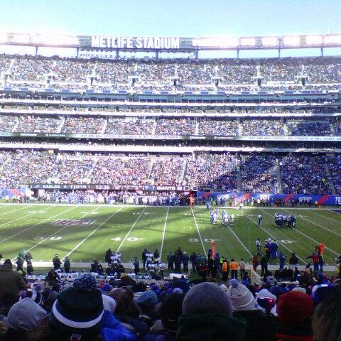 รูปภาพถ่ายที่ MetLife Stadium โดย Alessandra D. เมื่อ 12/30/2012
