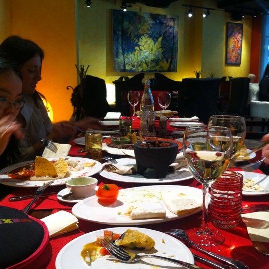 2/27/2013에 Eva M.님이 Mexican Club에서 찍은 사진