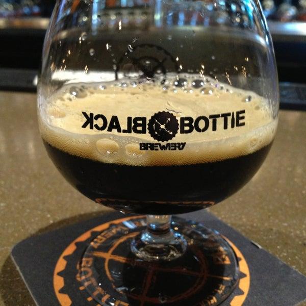 3/5/2013에 Reporter D.님이 Black Bottle Brewery에서 찍은 사진