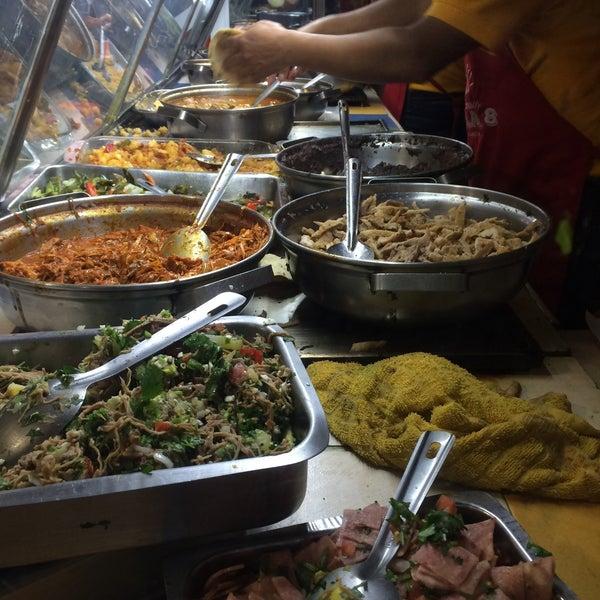 Foto tirada no(a) Tacos sarita por Suitens em 11/1/2016