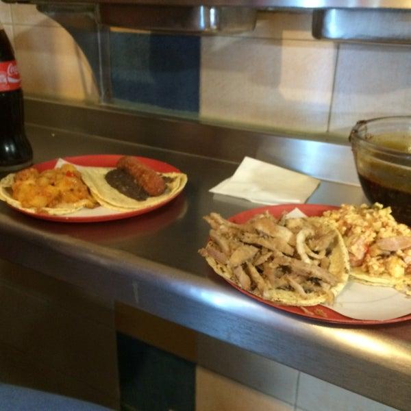 La especialidad de la casa tacos de milanesa con frijolitos 👍
