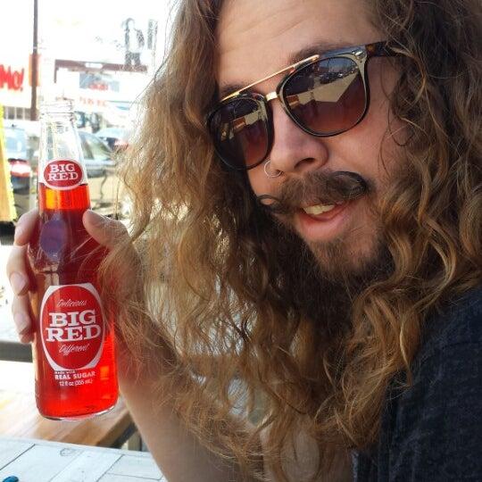 Das Foto wurde bei Soda Pop's von Julia H. am 5/30/2014 aufgenommen