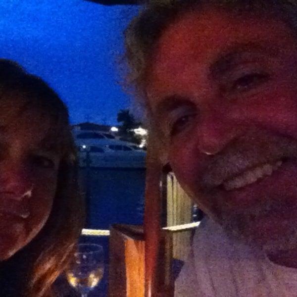 Photo prise au Bimini Boatyard Bar & Grill par Susan N. le6/7/2015