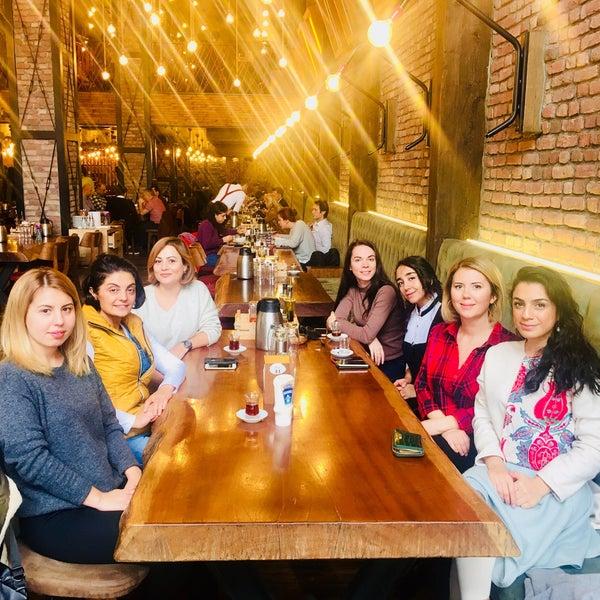 Foto tirada no(a) Evvel Türk Mutfağı por Andia A. em 11/30/2018