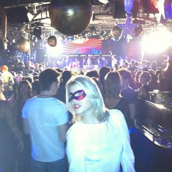 Das Foto wurde bei The Sutton Club von Alex M. am 1/1/2013 aufgenommen