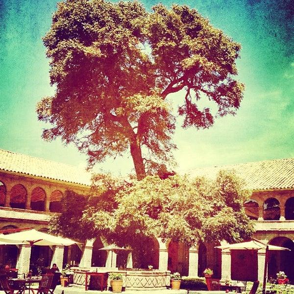 Foto diambil di Belmond Hotel Monasterio oleh Alonso S. pada 4/18/2013