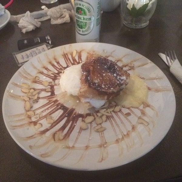Das Foto wurde bei Waffle Era Tea Room von Gaftie ✈. am 3/13/2016 aufgenommen